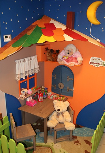Play area for children while staying in the dental clinic of Gdansk
