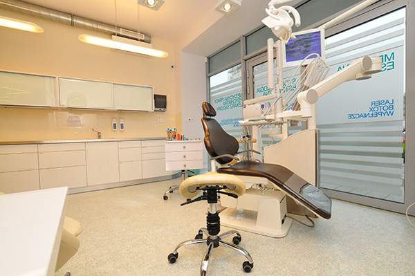 Dental unit in dental clinic